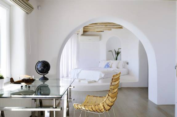 5 Chic Villas in Mykonos